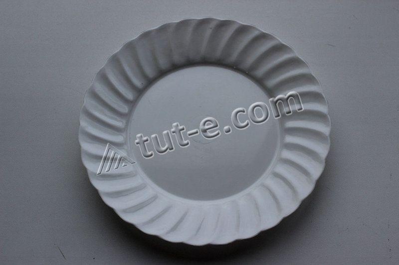 Тарелка белая O 175 мм
