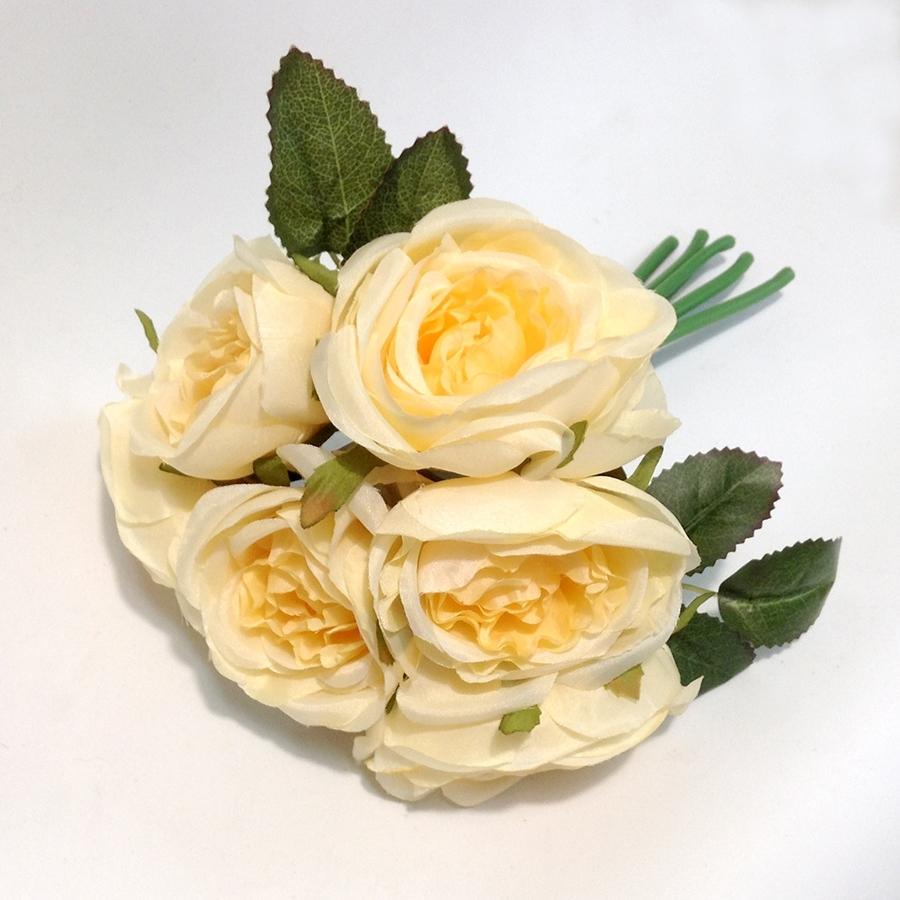 Букет шиповниковидной розы бледно желтый