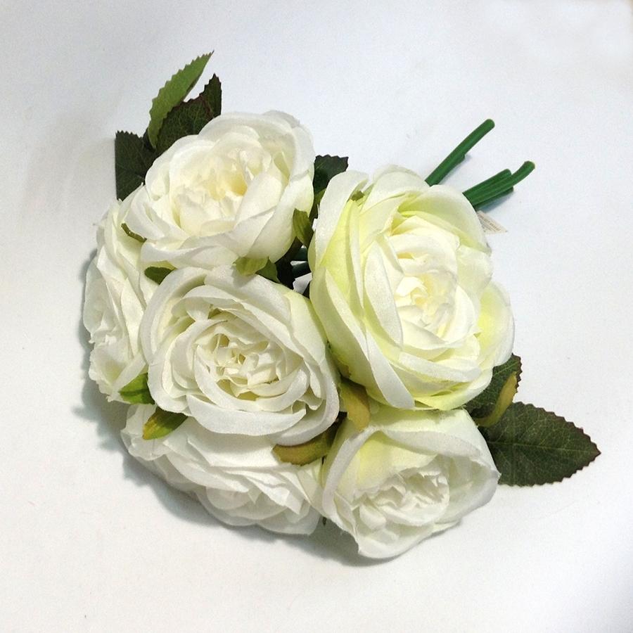 Букет шиповниковидной розы белый