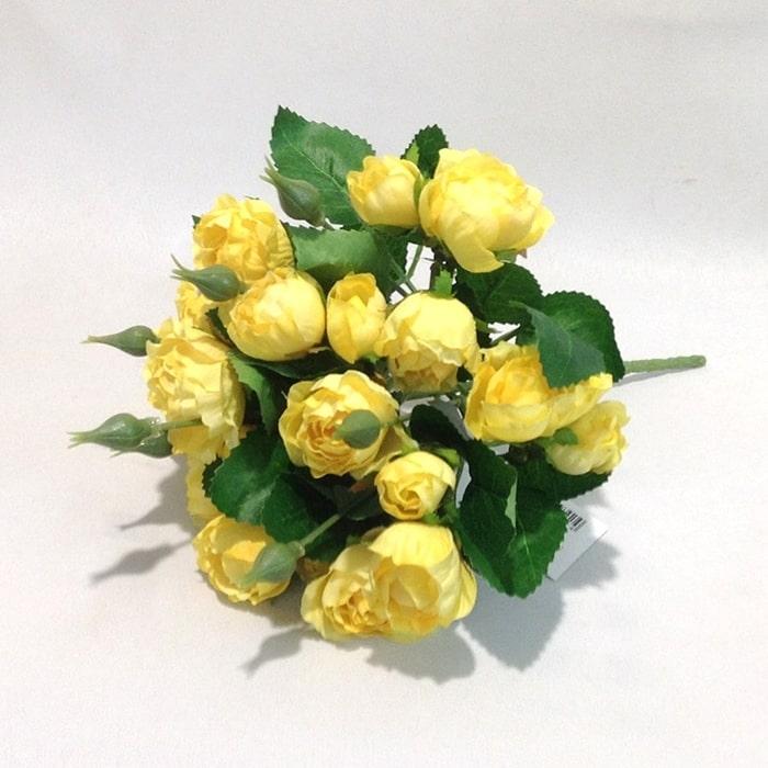 Букет мелких желтых розочек