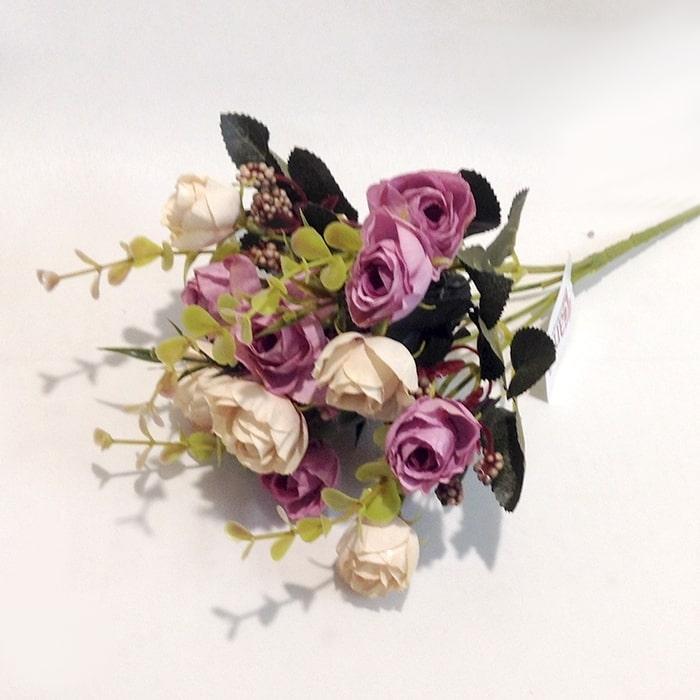 Букет мелких розочек сиренево-розовый