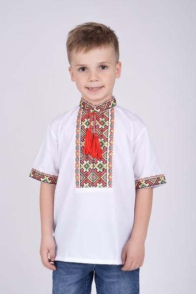 Вышиванка с коротким рукавом на мальчика