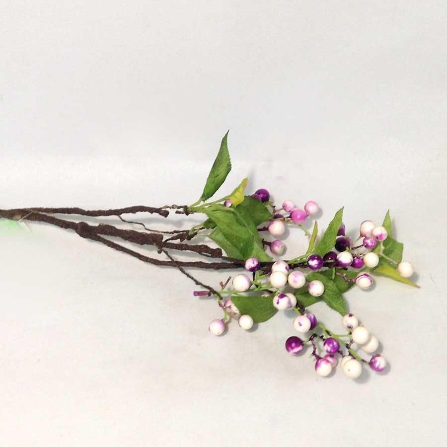 Ветка с листьями и сиреневыми ягодами 65см