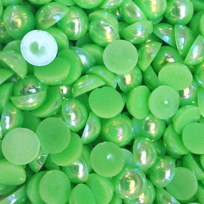 Полубусины зеленые бензиновый блеск 8мм