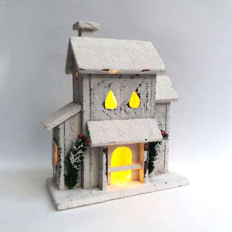Домик  деревянный с подсветкой 31 х 25 х 12см