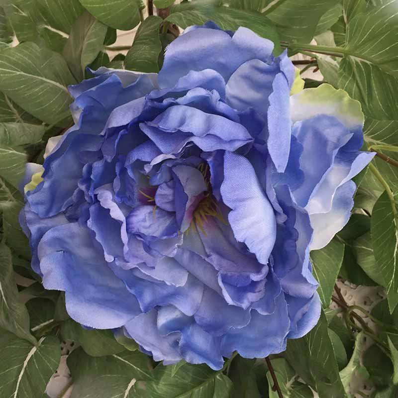 Головка пиона пышная синяя светлая