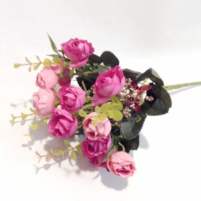 Букет мелких розочек ярко-розовый