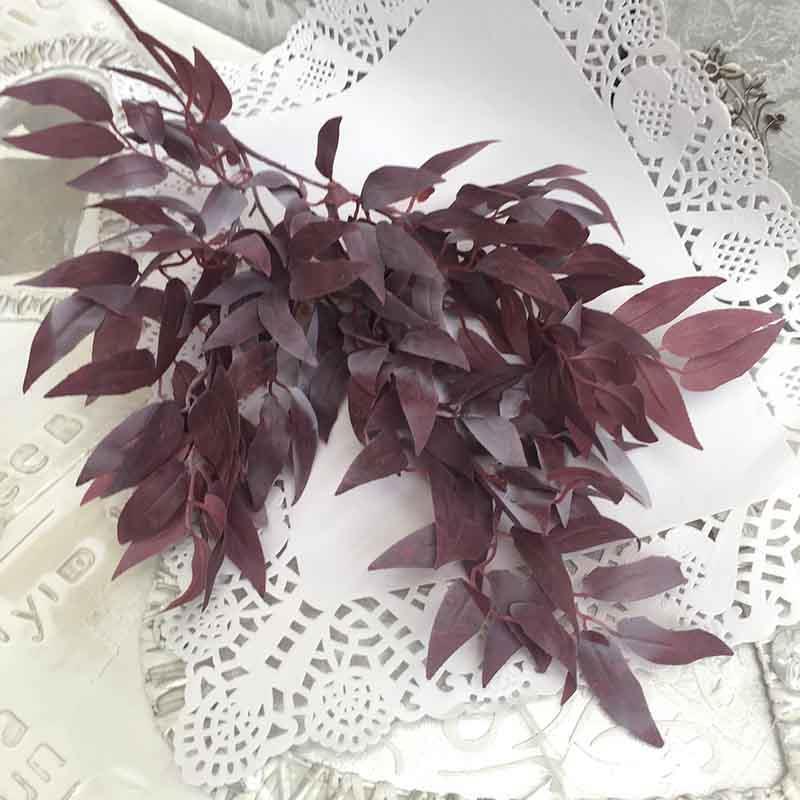 Ветка рускуса цвет пыльный бургунди 70см